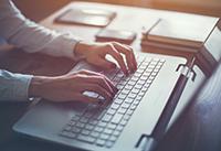 Blog schrijven via laptop